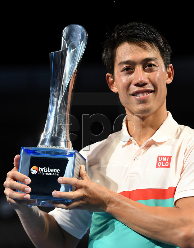 atp   wta photo gallery from the trophy ceremony at the