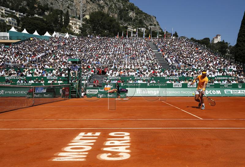 Rafael Nadal of Spain in action during his semifinal match against Grigor Dimitrov of Bulgaria at the Monte-Carlo Rolex Masters tournament in Roquebrune Cap Martin, France, 21 April 2018. EPA-EFE/SEBASTIEN NOGIER