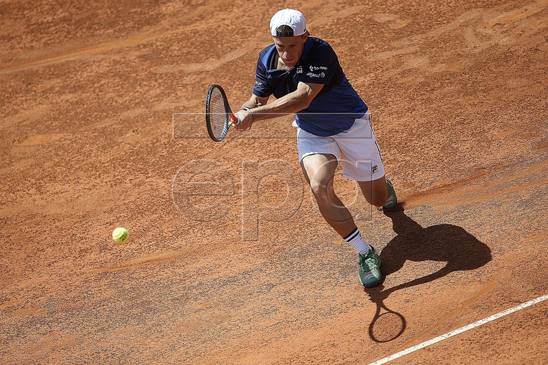 Diego Schwartzman of Argentina in action during his men's quarterfinal match against Kei Nishikori of Japan at the Italian Open tennis tournament in Rome, Italy, 17 May 2019.  EPA-EFE/RICCARDO ANTIMIANI