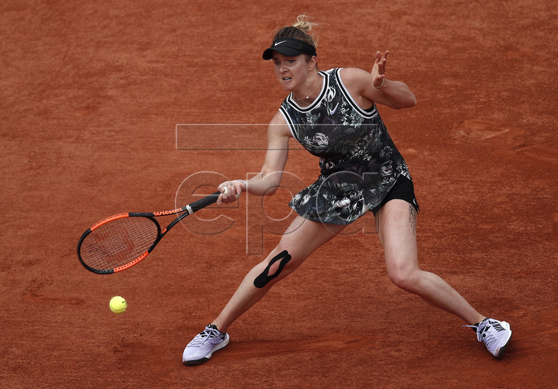Elina Svitolina of Ukraine plays Garbine Muguruza of Spain during their men?s third round match during the French Open tennis tournament at Roland Garros in Paris, France, 31 May 2019. EPA-EFE/YOAN VALAT