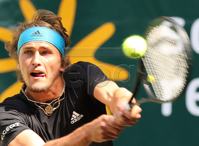 Alexander Zverev from Germany in action against Steve Johnson from the USA during their Round of 16 match at the ATP Tennis Tournament Noventi Open (former Gerry Weber Open) in Halle Westphalia, Germany, 20 June 2019. EPA-EFE/FOCKE STRANGMANN